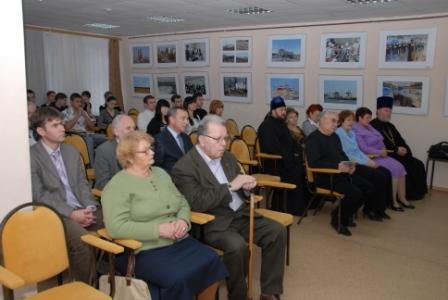 Ростовская АЭС: в центральной библиотеке Волгодонска открылась фотовыставка об атомной станции