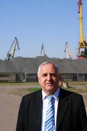 Усть-Донецкий порт: в 50 лет все только начитается